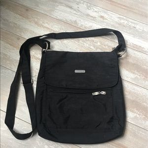 Baggallini l Black Crossbody Hipster